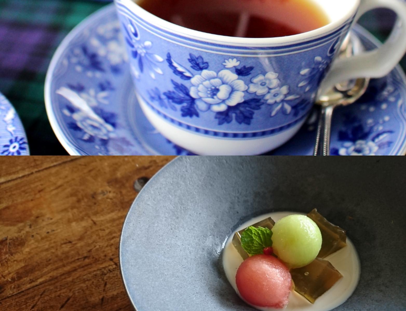 紅茶の入ったカップと夏菓子の入った器が並んでいます。