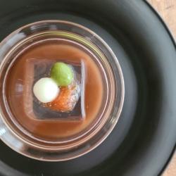 ガラスの器に入った小豆しるこ菓子